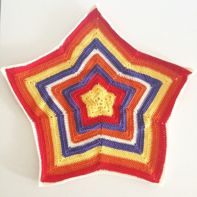 littlecosythings crochet star blanket