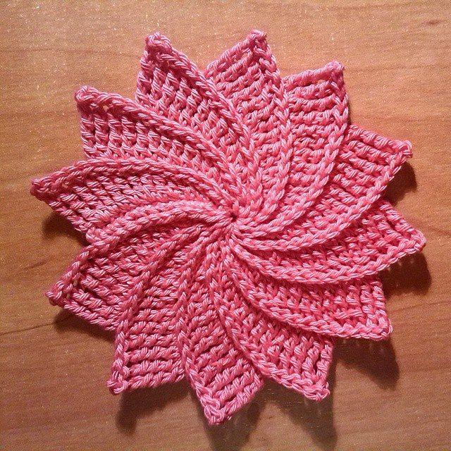 magneticmary crochet flower