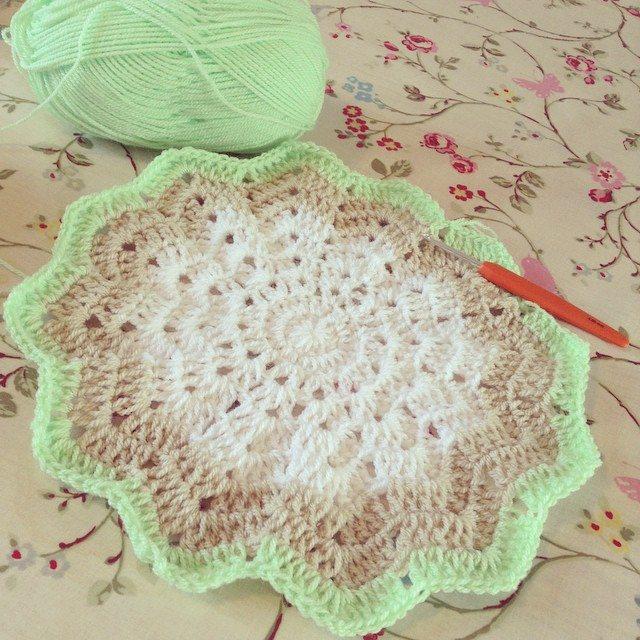 make_the_nest crochet star blankie