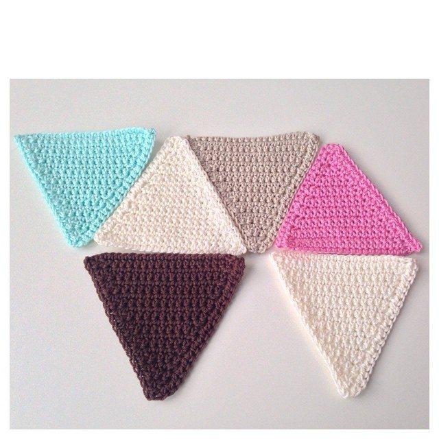 marretjeroos crochet triangles