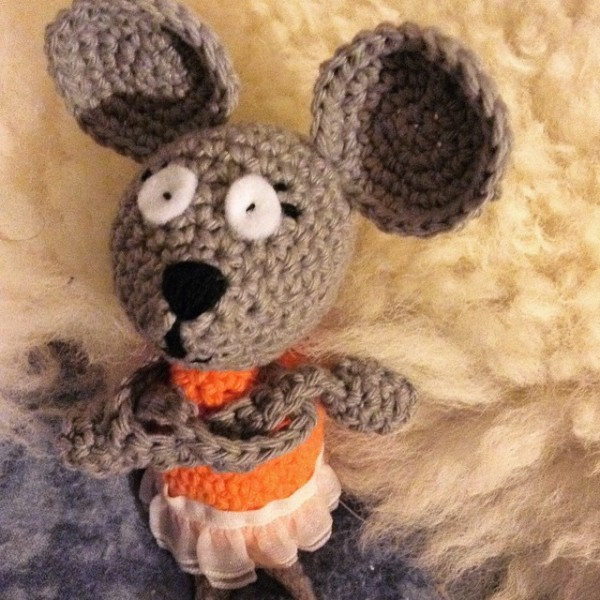 mimamami_creations crochet mouse