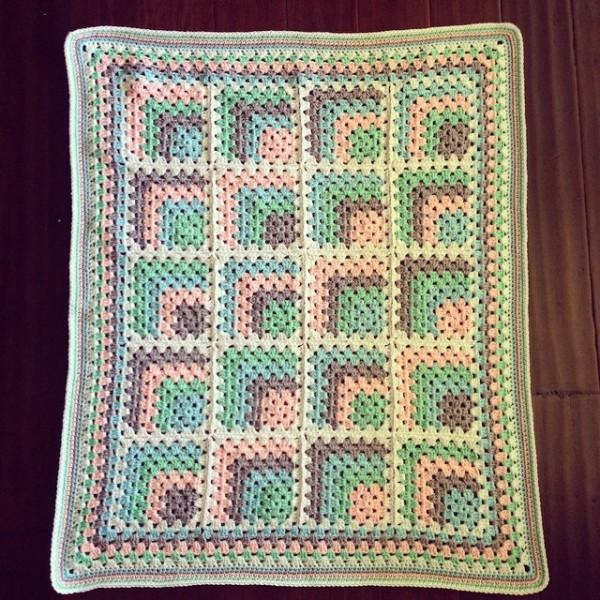 newwbombaert crochet square blanket