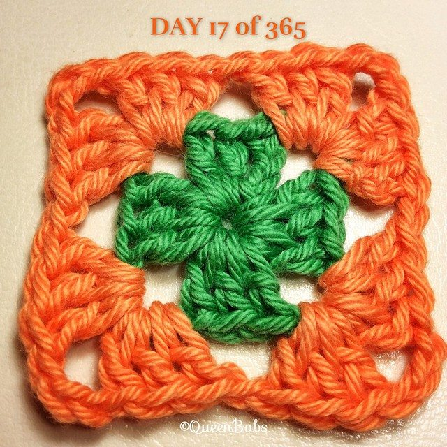 queen_babs crochet square a day justlittlethingsblanket