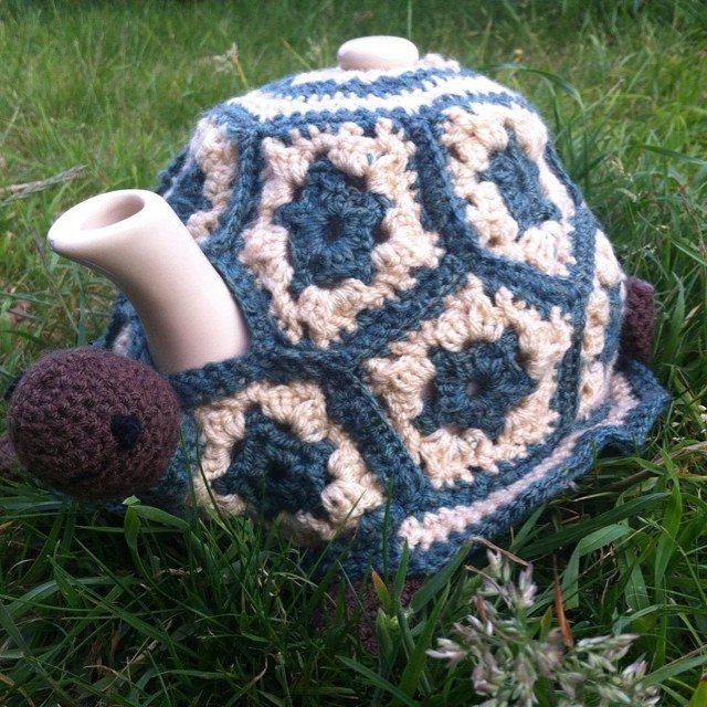 rachelribbons crochet tea cosy