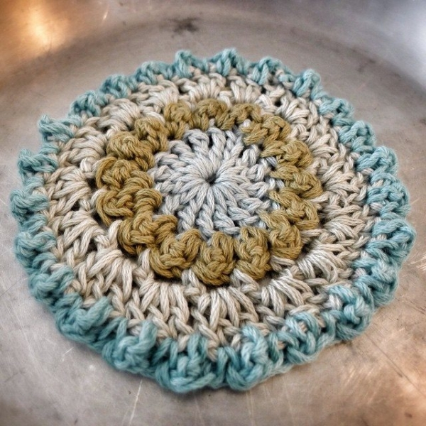 rawrustic crochet throw