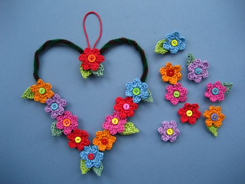 rochet heart flower wreath tutorial