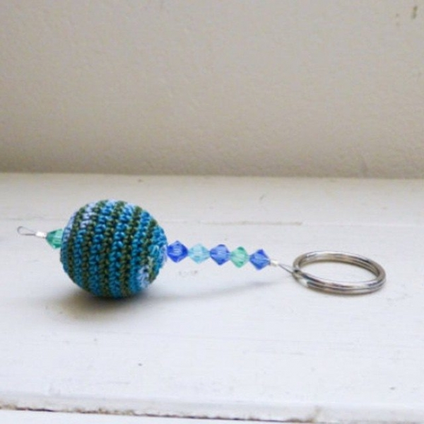 stitchyimpressions crochet bead keychain