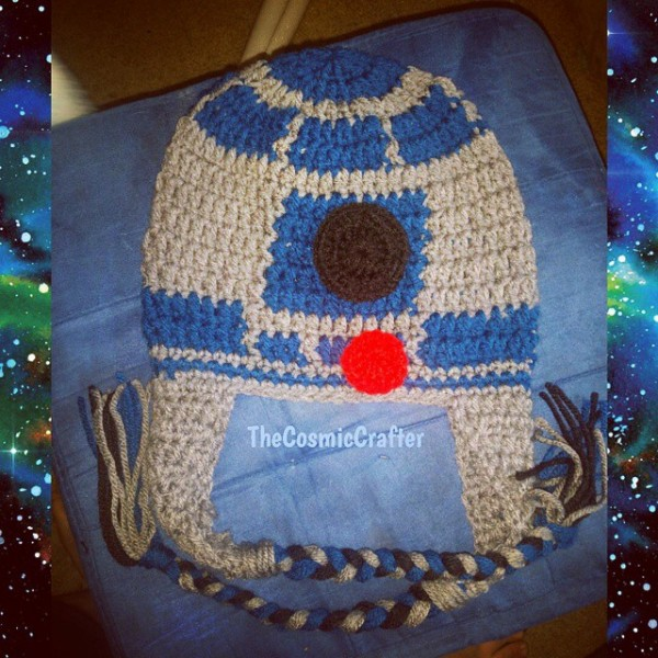 thecosmiccrafter_ r2dt crochet hat