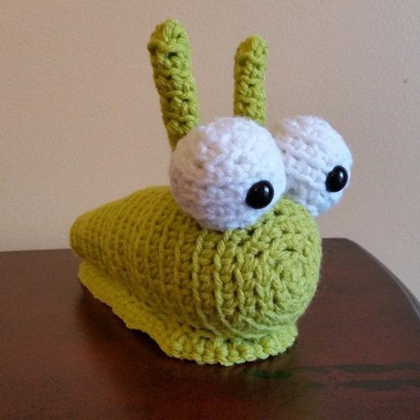 thegirllovesyarn crochet slug