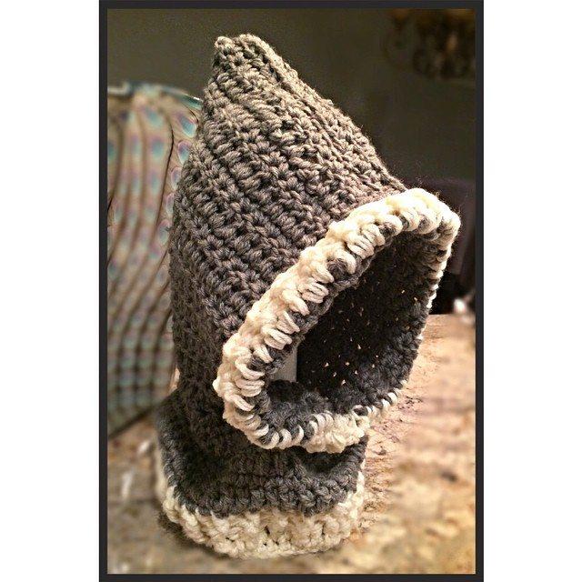 yarnhook crochet bear cowl