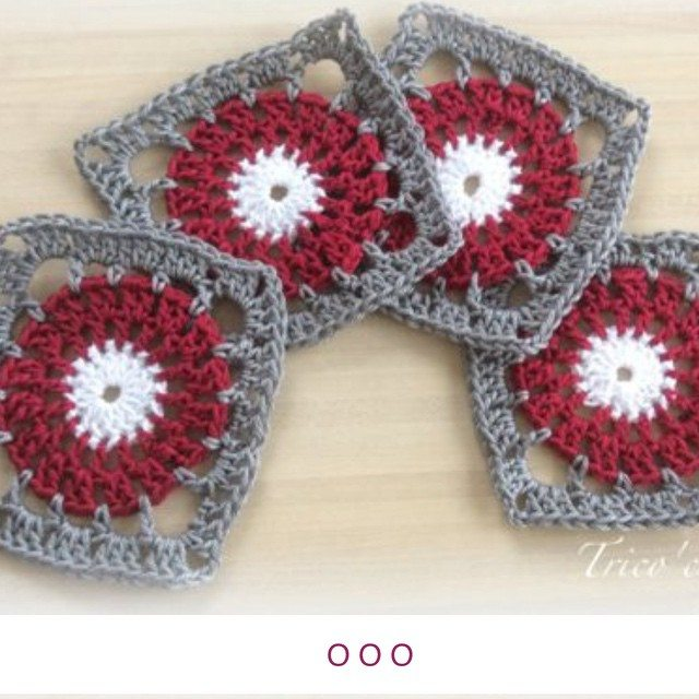 aglaelaser crochet squares