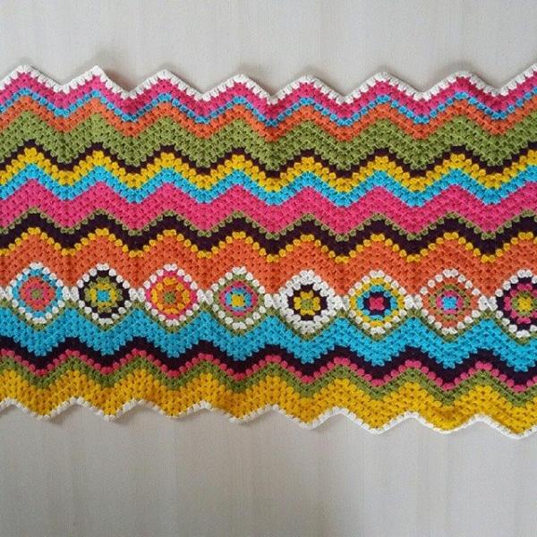 annesurr chevron crochet blanket