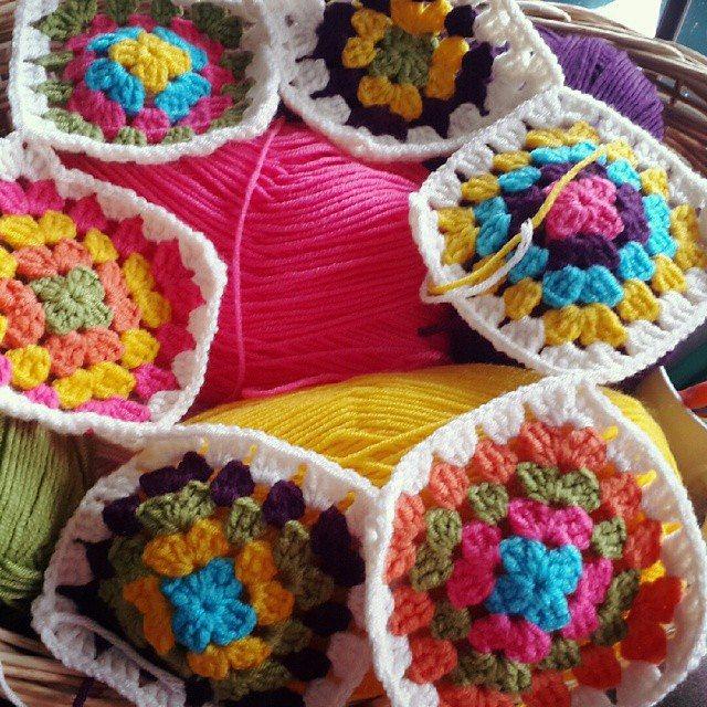 annesurr crochet squares