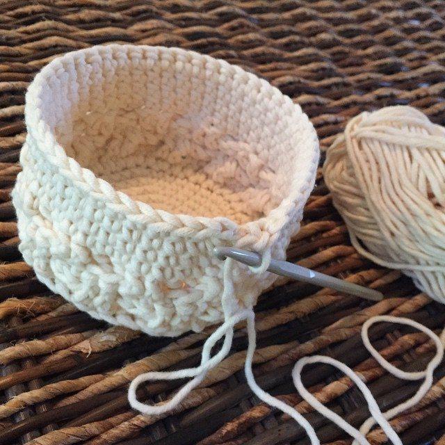atnanasknee crochet basket