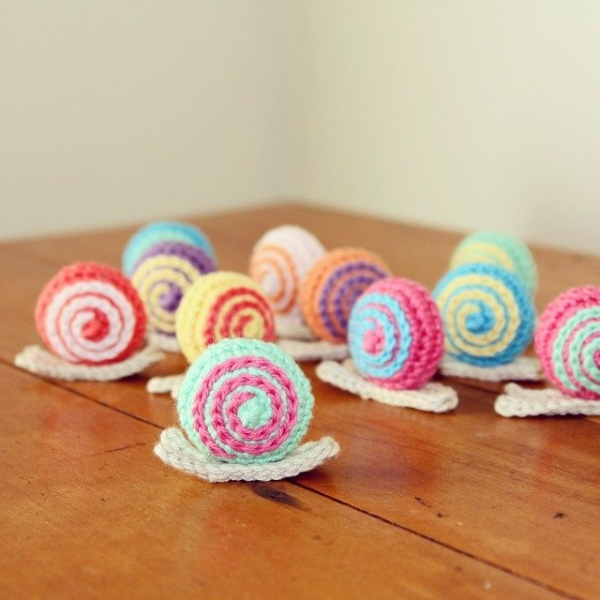 atnanasknee crochet snails