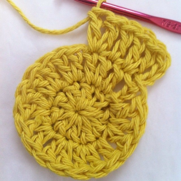 crochet circle yellow
