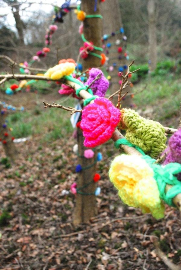 crochet flower yarnbomb
