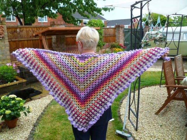 crochet granny shawl pattern