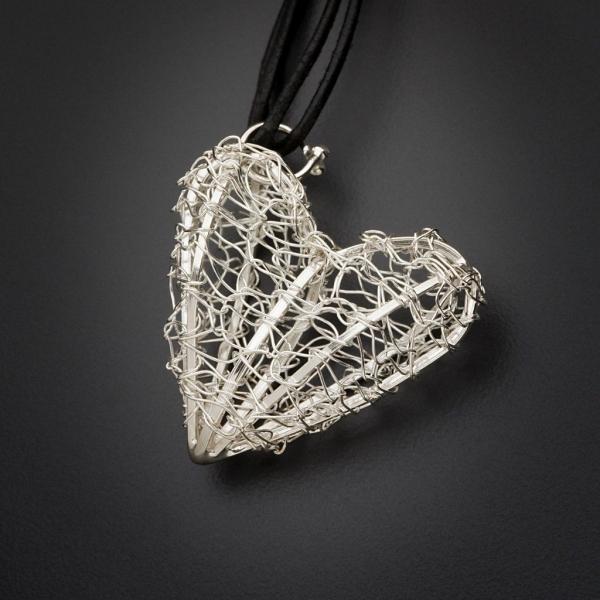 crochet heart jewelry