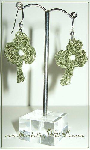 crochet shamrock earrings
