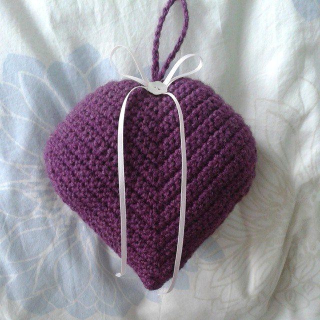 hanrosieg crochet heart