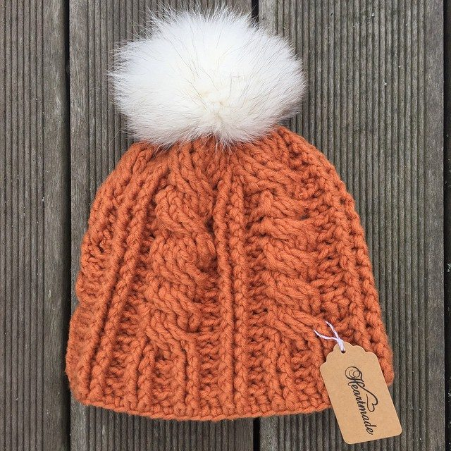 heartmadebeanies cable crochet hat