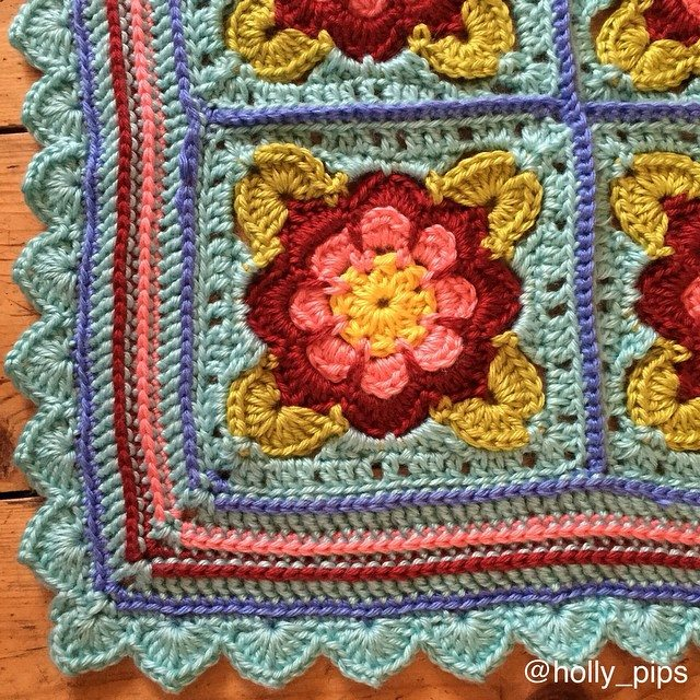 holly_pips crochet blanket