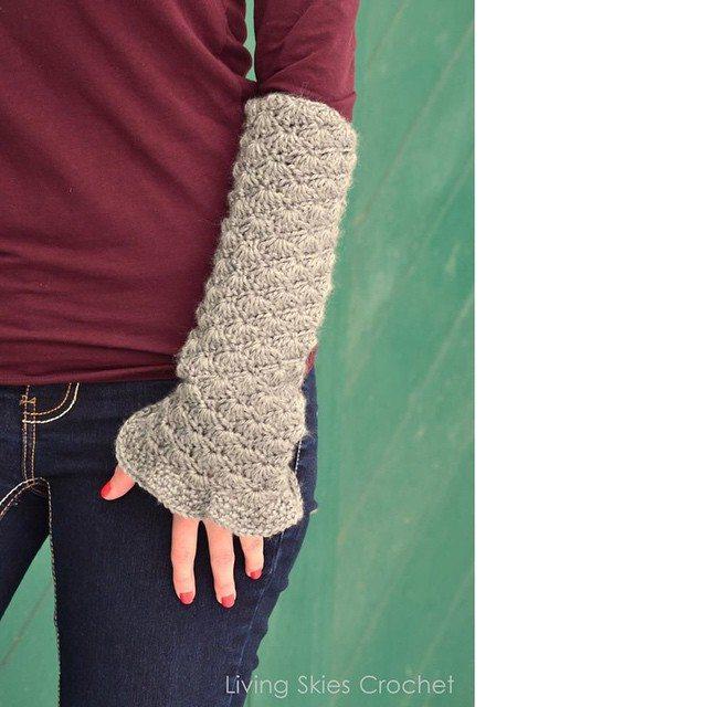 livingskiescrochet crochet arm cuffs
