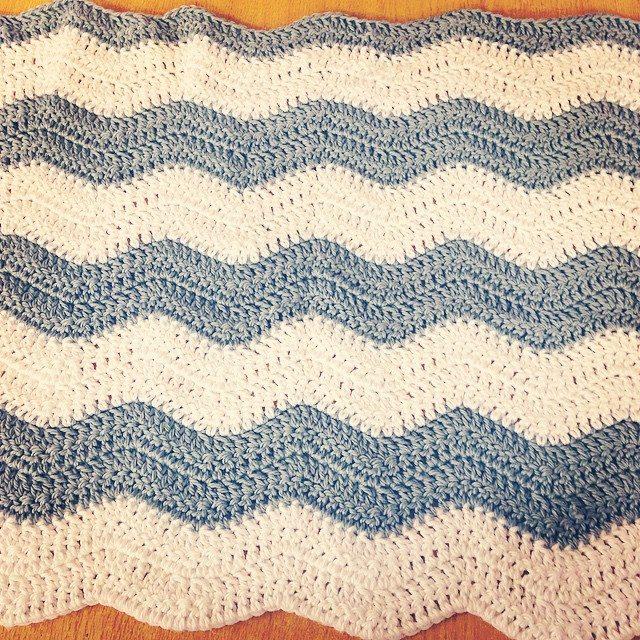 loucamp crochet chevron