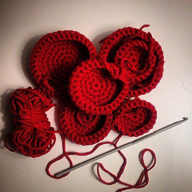 louloudeane crochet circles