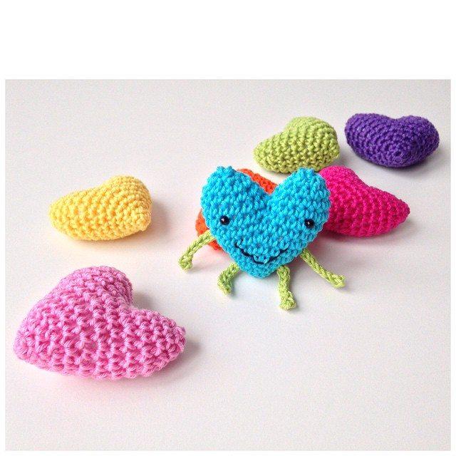 marretjeroos crochet hearts