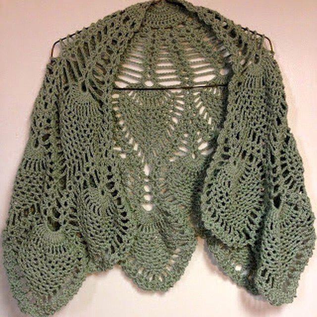 rebeccabeedesgisn crochet shawl