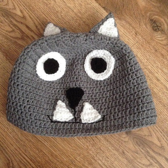 silvery_cloud crochet cat