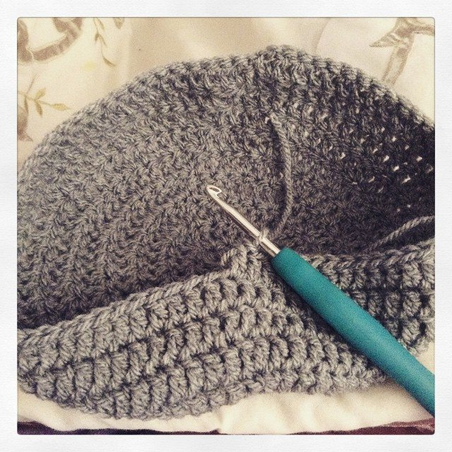 silvery_cloud crochet hat