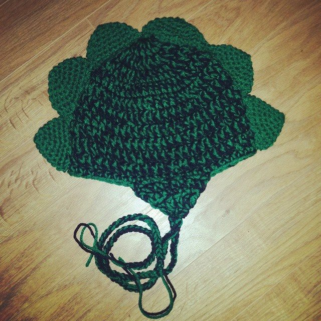 thecosmiccrafter_ crochet dino hat