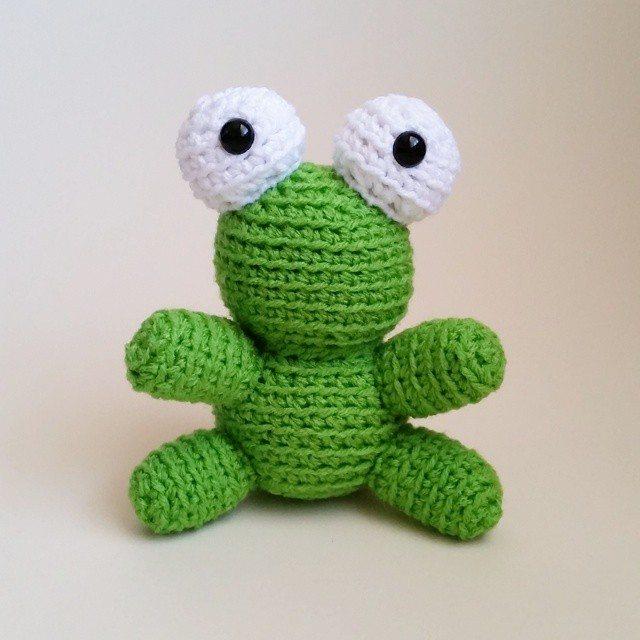 thegirllovesyarn crochet frog