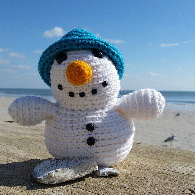 thegirllovesyarn crochet snowman