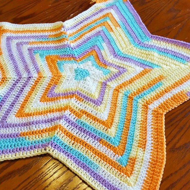 thegirllovesyarn crochet star blanket