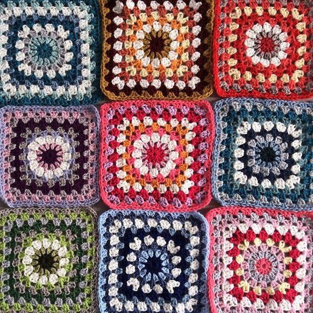 aglaelaser crochet colorful squars