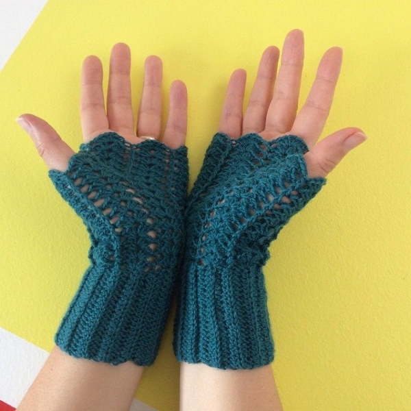 aglaelaser crochet fingerless gloves