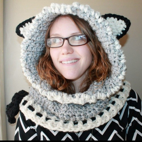 audra_hooknowl crochet hood wolf