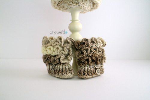 crochet baby booties pattern