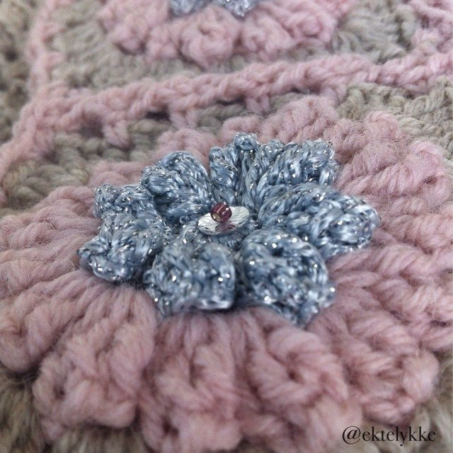 ektelykke crochet flower