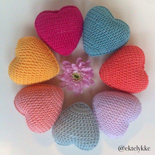ektelykke crochet heart