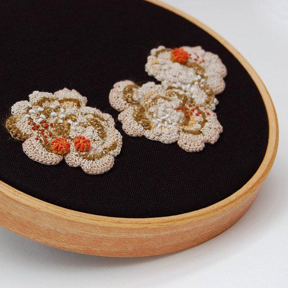 embroidery hoop art crochet elin