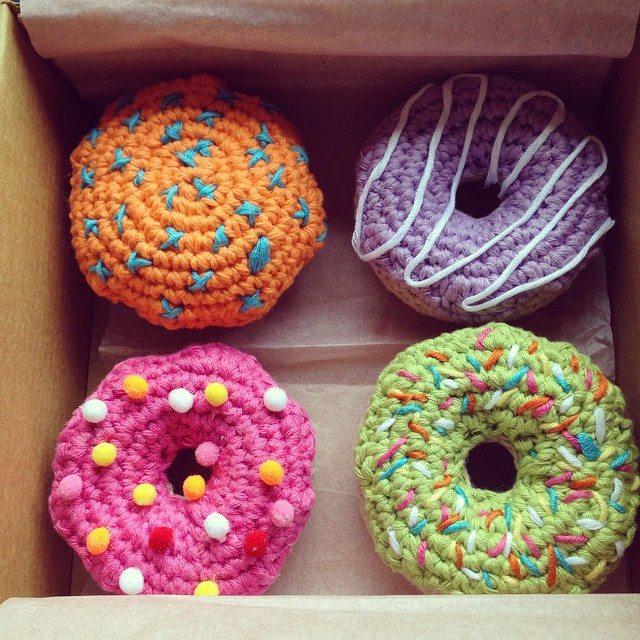 flamingpot crochet donuts