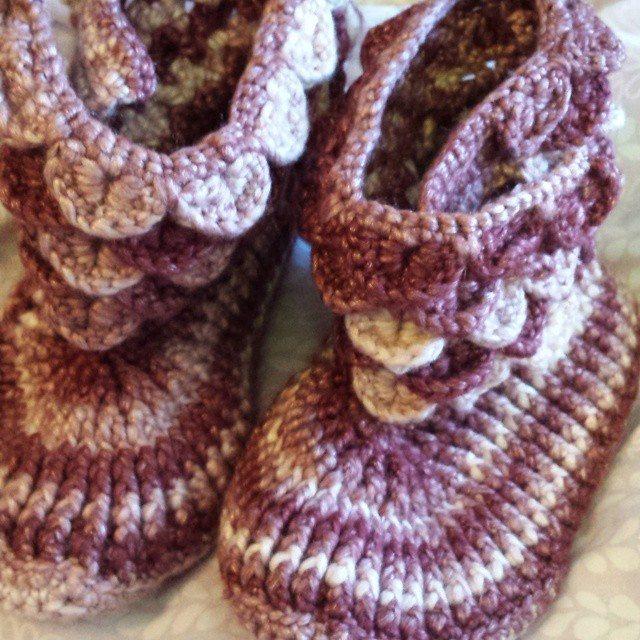 gigididthis crocodile stitch crochet boots