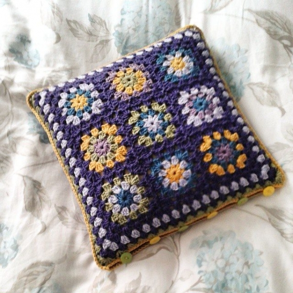 hanrosieg crochet cushion 2