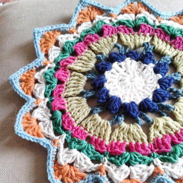 hanrosieg crochet mandala