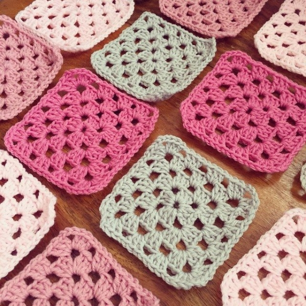 holly_pips crochet granny squares